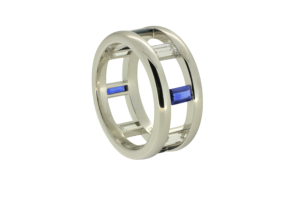 Gents Ring w Sapphires in Platinum