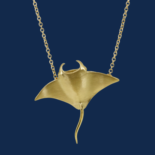be-jewelled for wildAid handcrafted manta ray pendant in 18k yellow gold alexander jewell